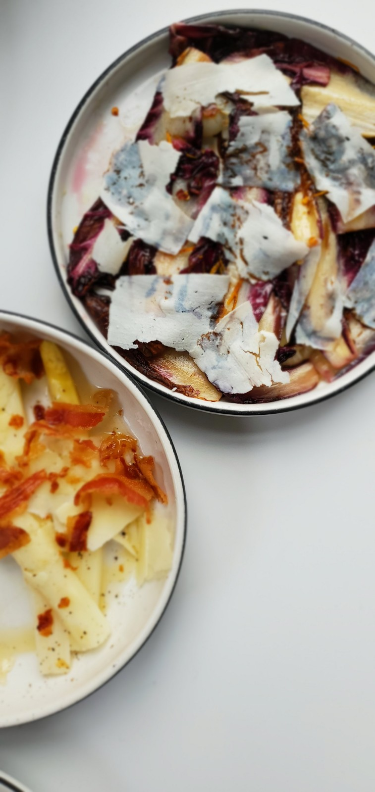 White asparagus and radicchio