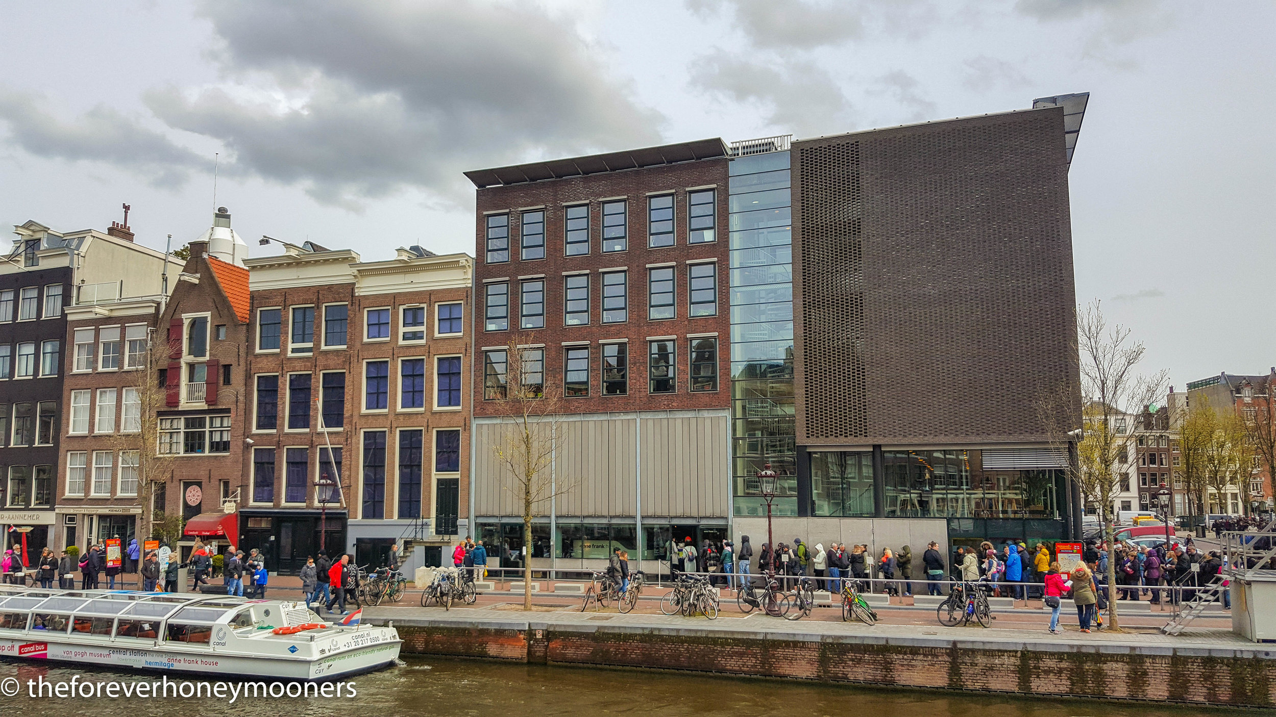The long, long queue around the Anne Frank House