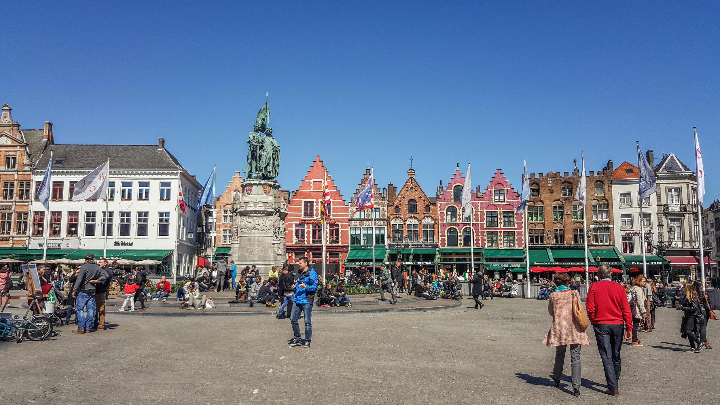 The lively Bruges Markt.