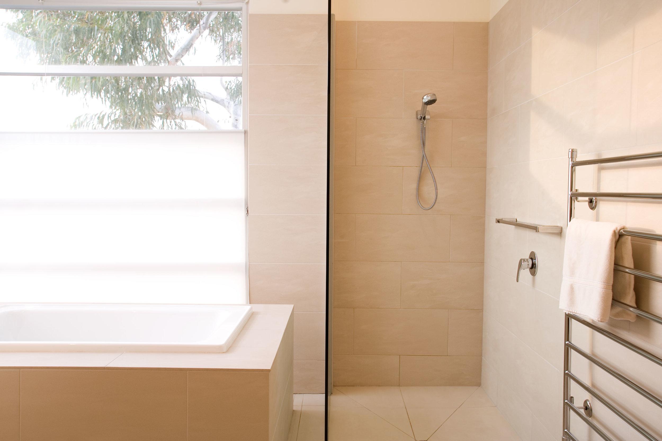 RCI Designs Master Bath Hawthorn.jpg