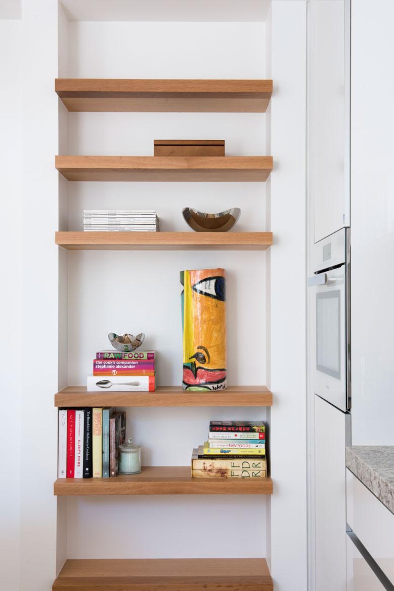 Rina Cohen Interiors, RCI Designs, Interior DesignGranite Kitchen St Kilda Residence,Shelf Display