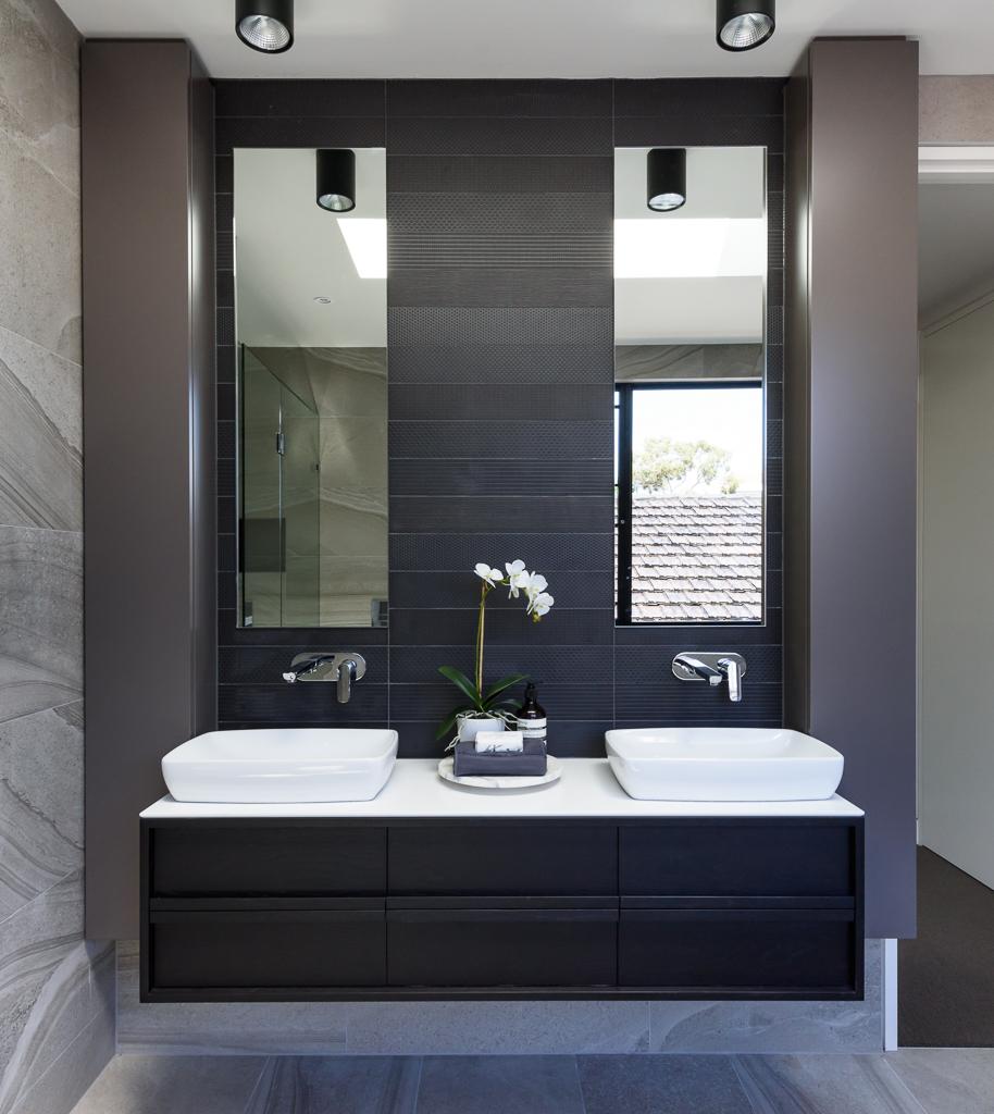 Master Ensuite Vanity RCI Designs - Rina Cohen Interiors
