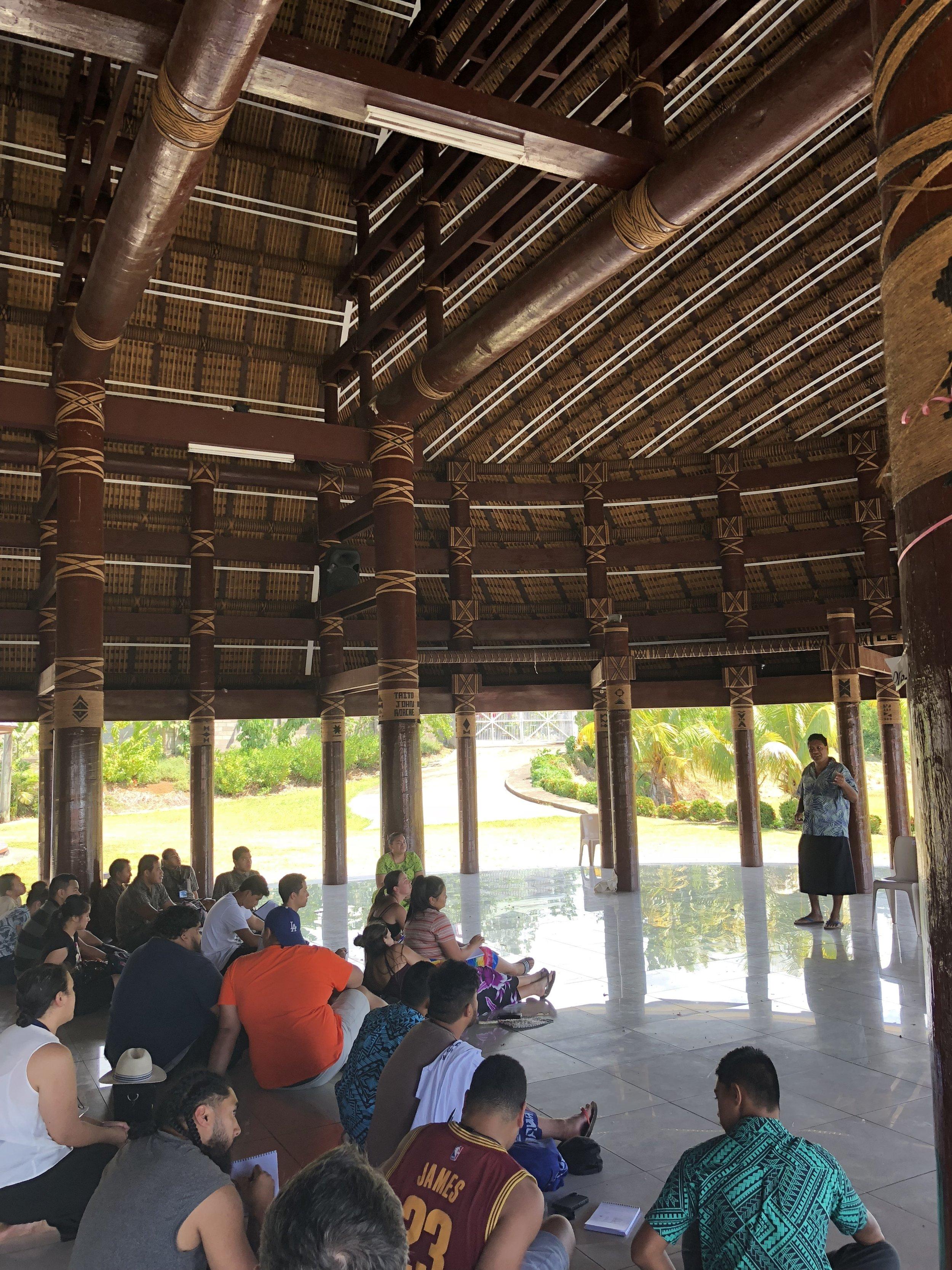Tufuga Fau Fale presenting at NUS Fale.jpg