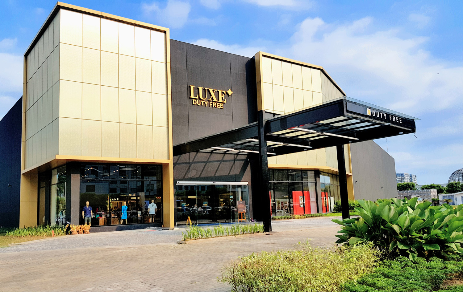 Luxury has a new address - Come and visit the newest and grandest shopping mall located at Pacific Drive, MOA Complex.