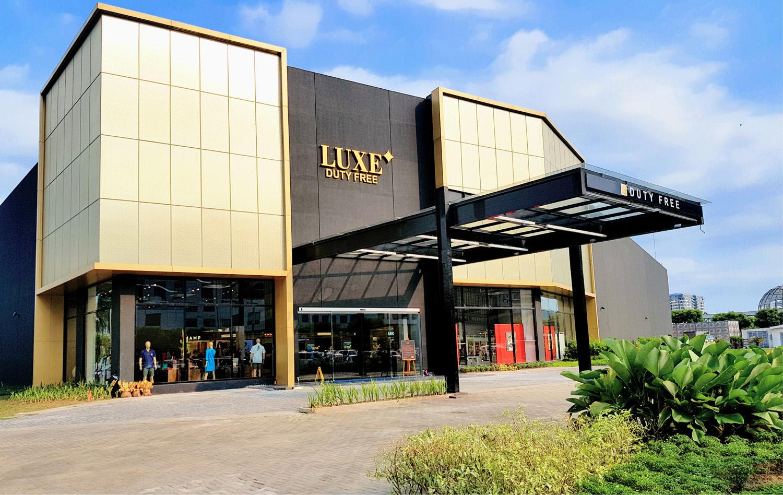 奢侈品免税店有了新的地址 - 来参观新店,地址位于马尼拉太平洋大道的亚洲购物中心, 最新最宏伟的购物中心