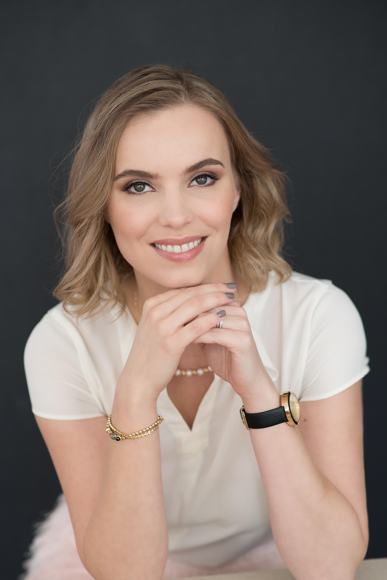 17.Irina Business Portrait.jpg