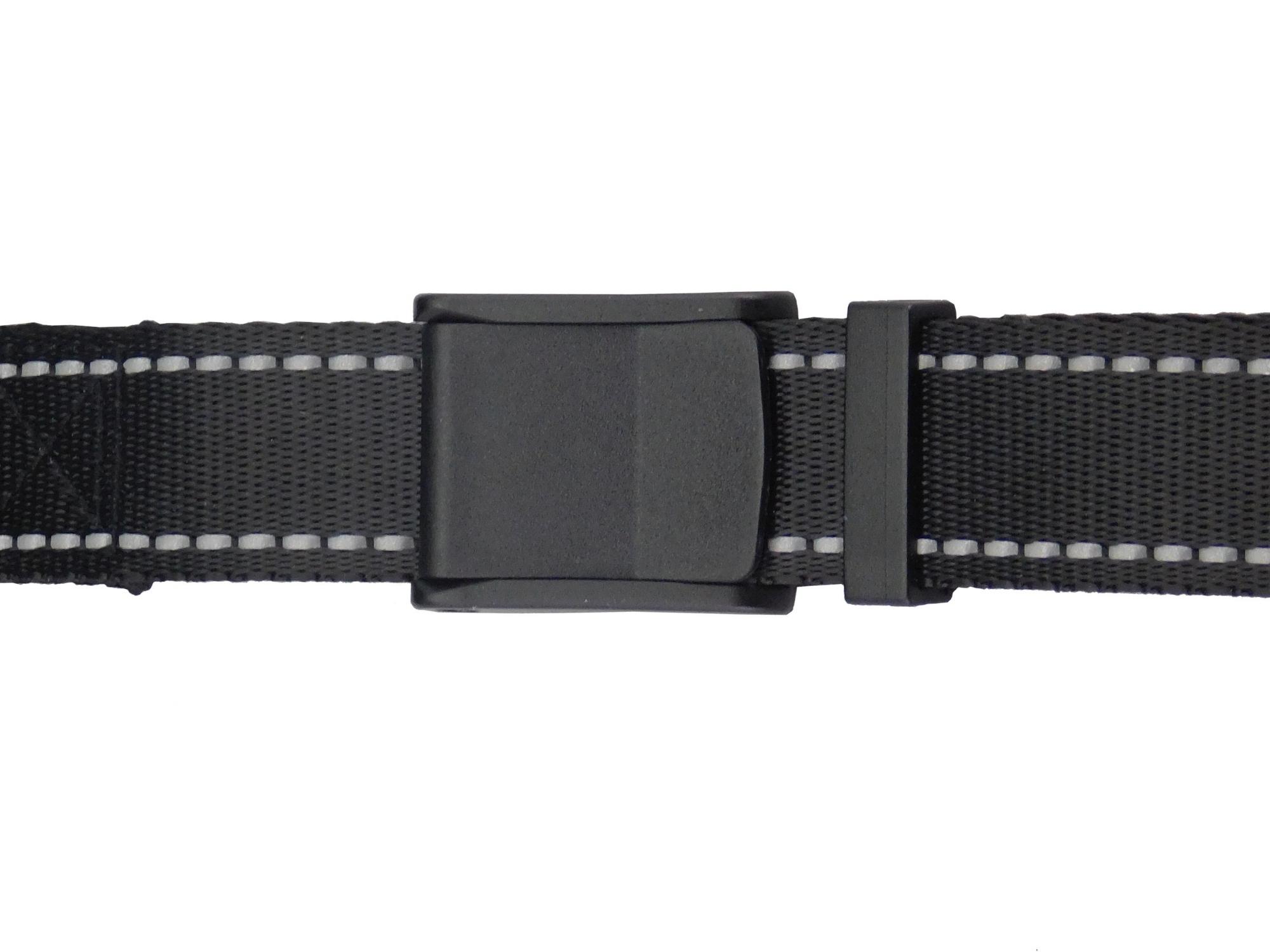 adjustable-length-buckle-spotlite-leash.jpg
