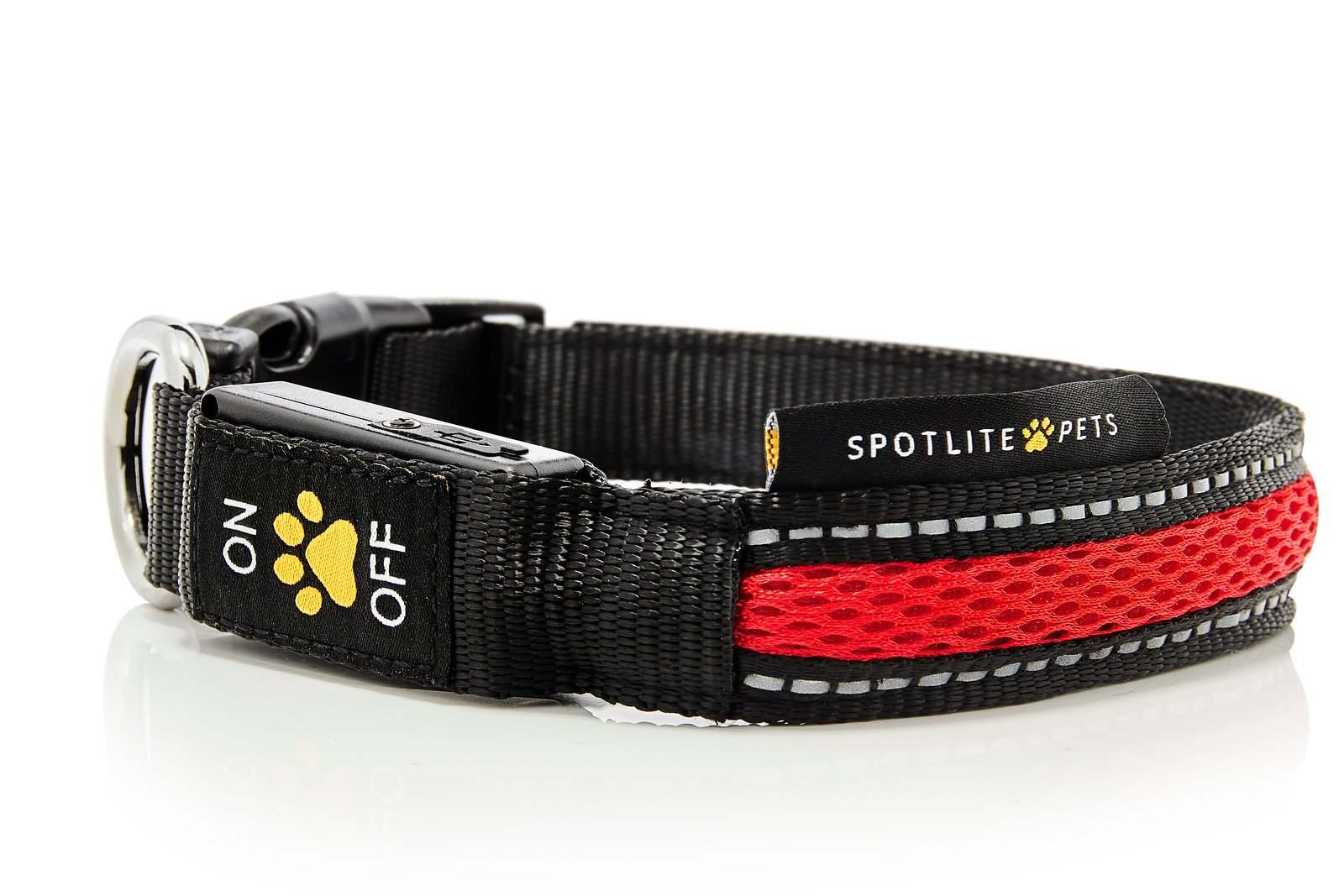 Red_Collars_Leashes_Spotlite_Pets-X3.jpg