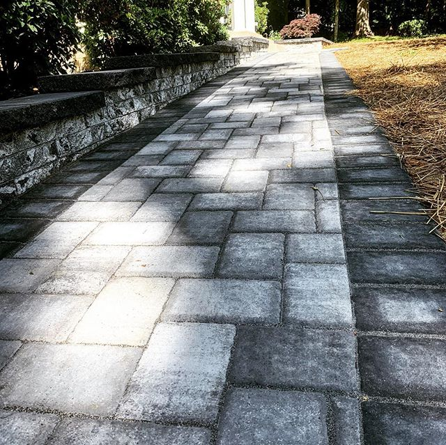 Sidewalk and retaining wall wrapped up in Huntingtown! MHIC # 134851. ICPI Certified.
