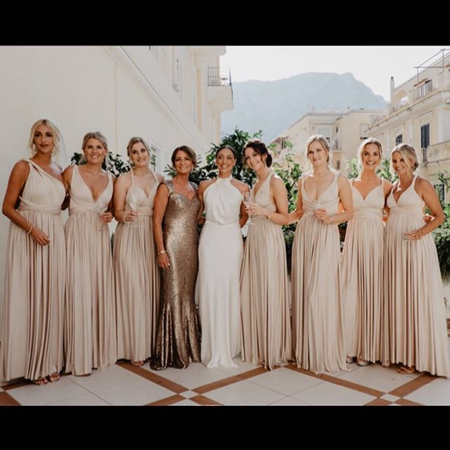 A stunning #bride Sam, her fabulous mum Laura and their gorgeous #bridesmaids (in our iconic @elizaandethan #multiwaydress 🧡). Congratulations, Sam! We wish you the life of happiness. 🍾🥂🎊🎉💕 • • • • • •#alberreodette#london#fashion#boutique #wedding#bride#motherofthebride#bridesmaiddress#elizaandethan#motherofthegroom#bespoke#madetomeasure#style#stylist#dresscode#madeinlondon#madeintheuk#madeinbritain#formal#dress#specialoccasion#outfit#celebration#look #boutiquelife#54georgestreet#shopping