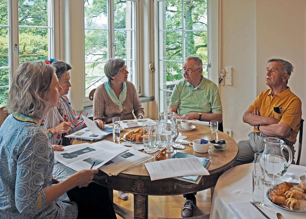 - Das Projektteam bei der Arbeit in der Villa Falkenhorst, Frühling 2017