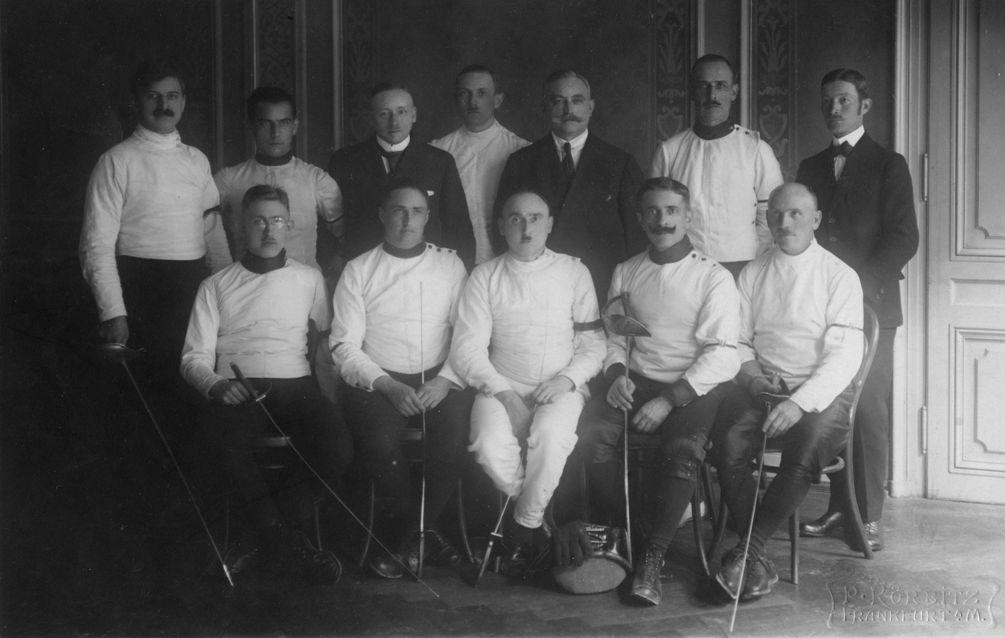 Rudolf Kastner war in jungen Jahren ein begeisterter Fechter und förderte später auch bei seinen Kindern diesen Sport.  zur Verfügung gestellt von Familie Dittrich
