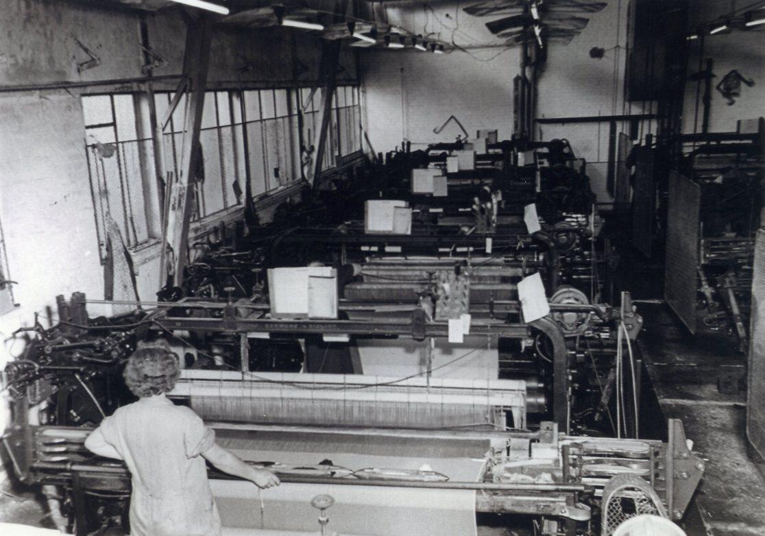 In der Weberei der Feintuchfabrik Ing. Kurt Kastner in Wien.  Foto um 1950 zur Verfügung gestellt von Georg Kastner