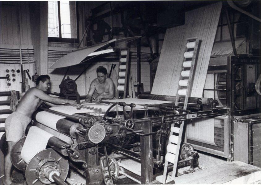 In der Feintuchweberei am Laaerberg in Wien  Foto um 1950 zur Verfügung gestellt von Georg Kastner