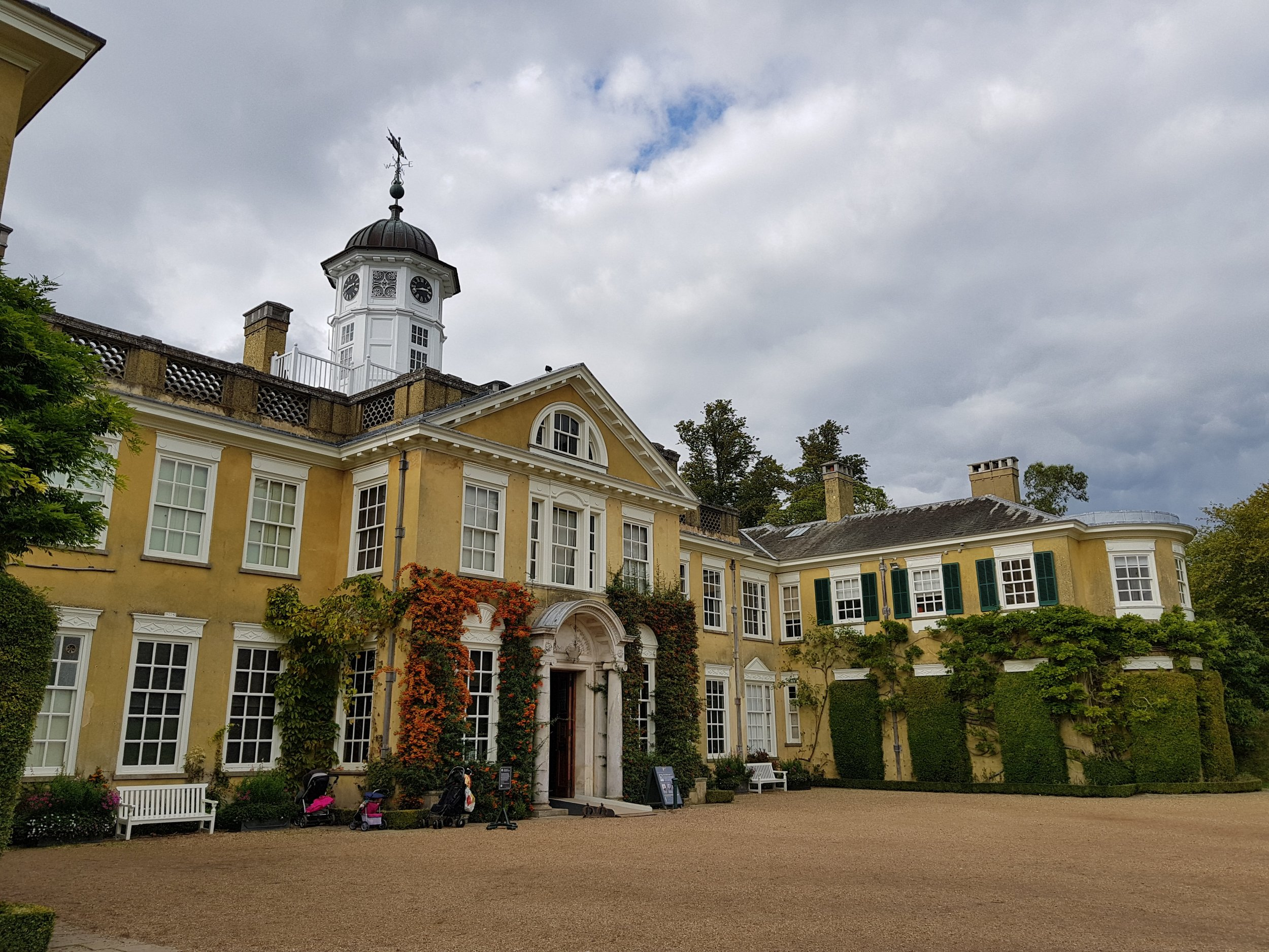 Pollesden Lacey Day Trip from London