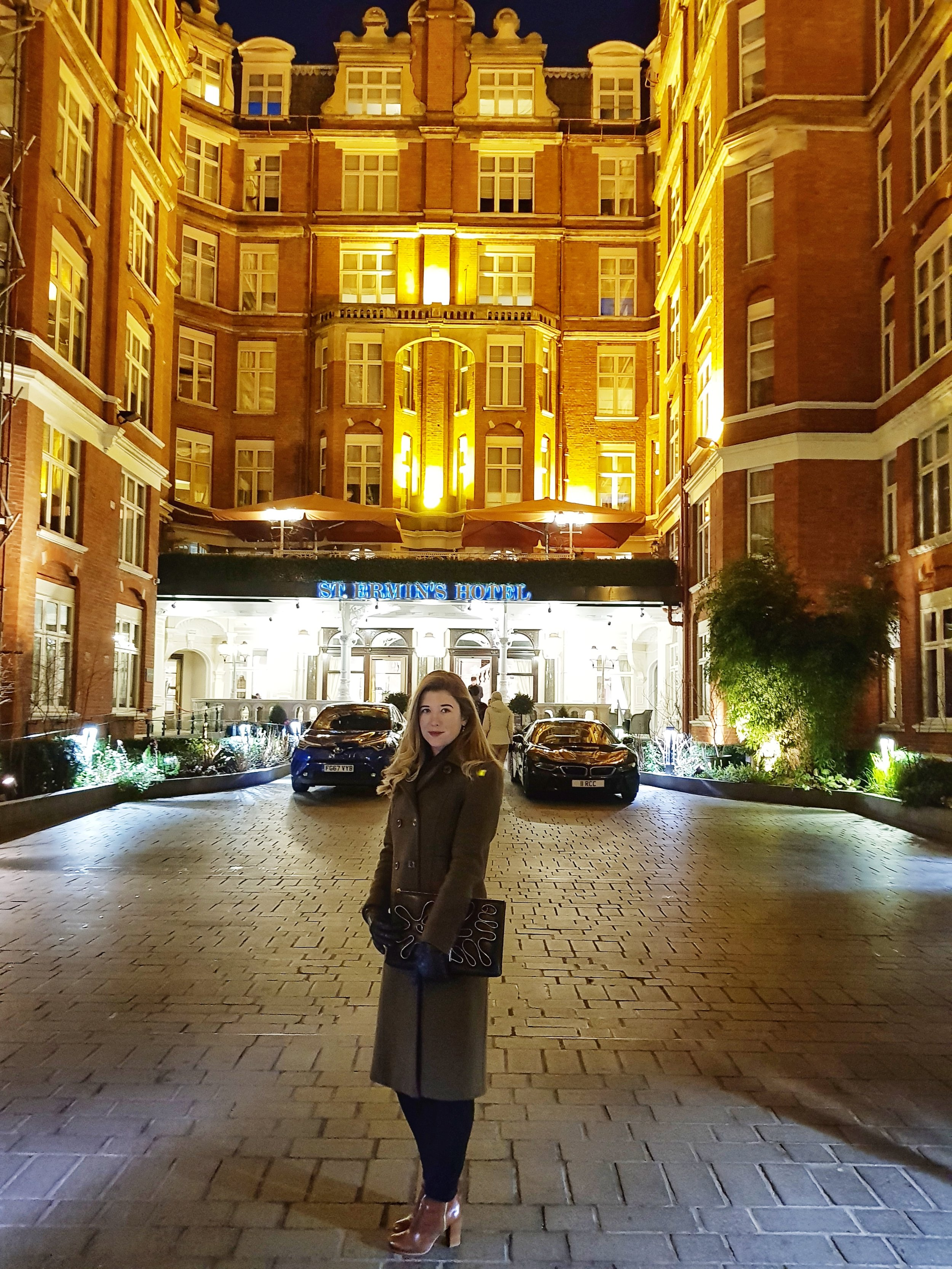 REVIEW CAXTON BAR AND GRILL ST ERMINS HOTEL LONDON