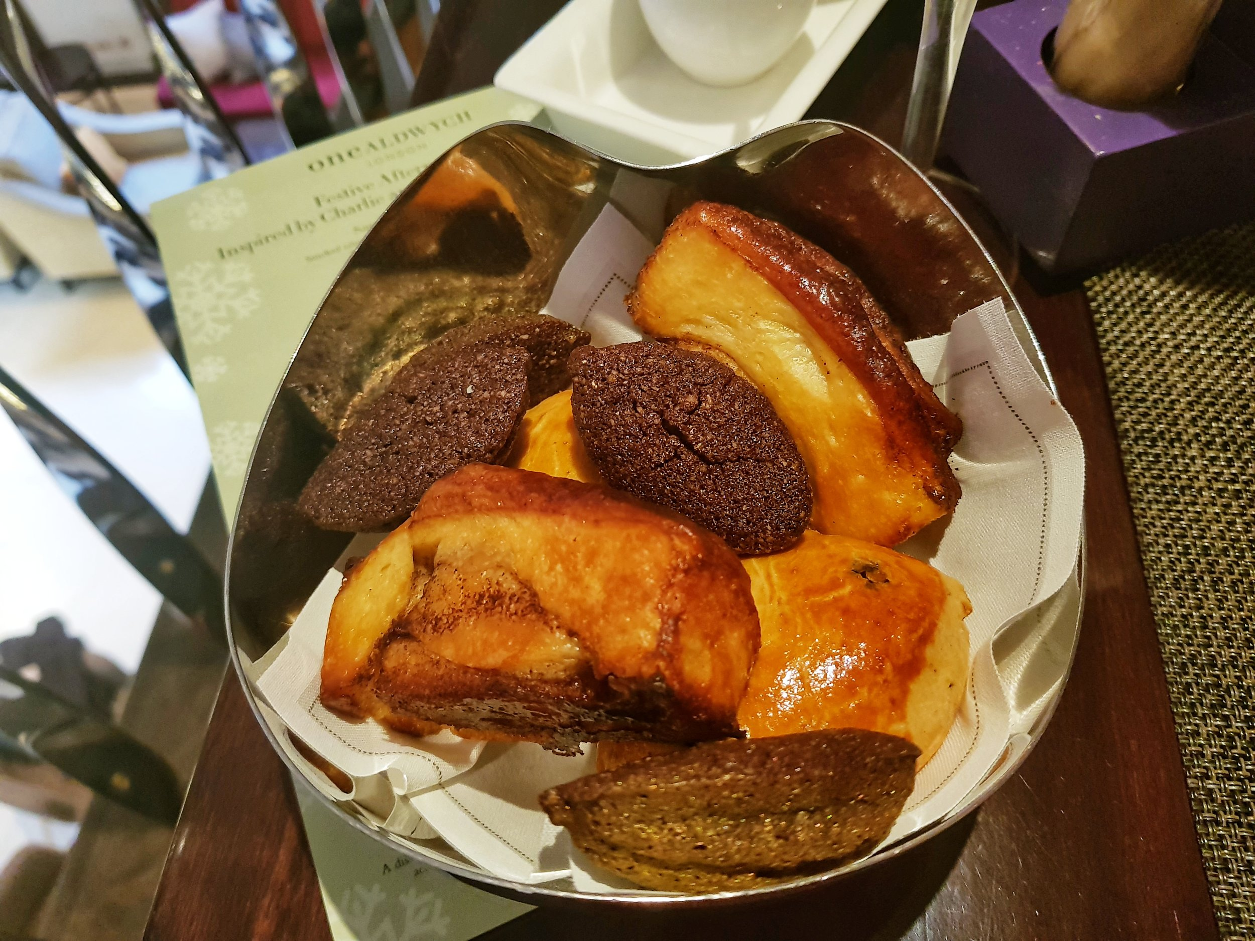 CHARLIE AND THE CHOCOLATE FACTORY AFTERNOON TEA AT ONE ALDWYCH HOTEL
