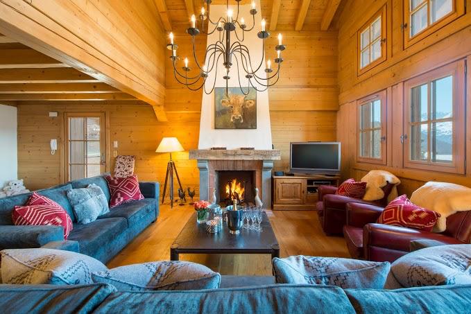 Living room straight on.jpeg