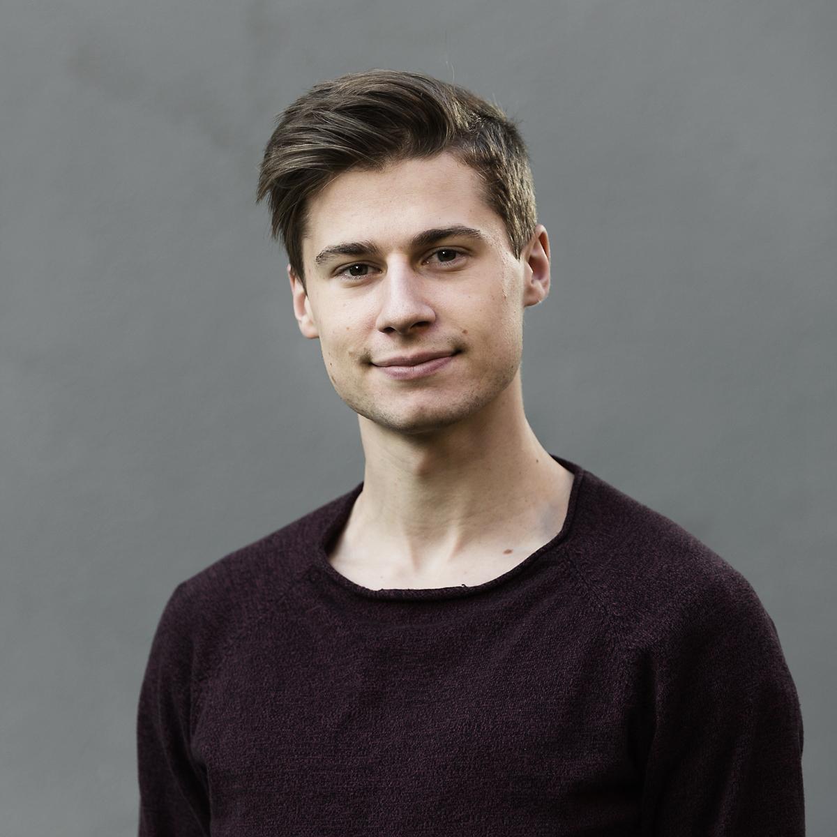 Theodor Molander - director / VFX0708875908