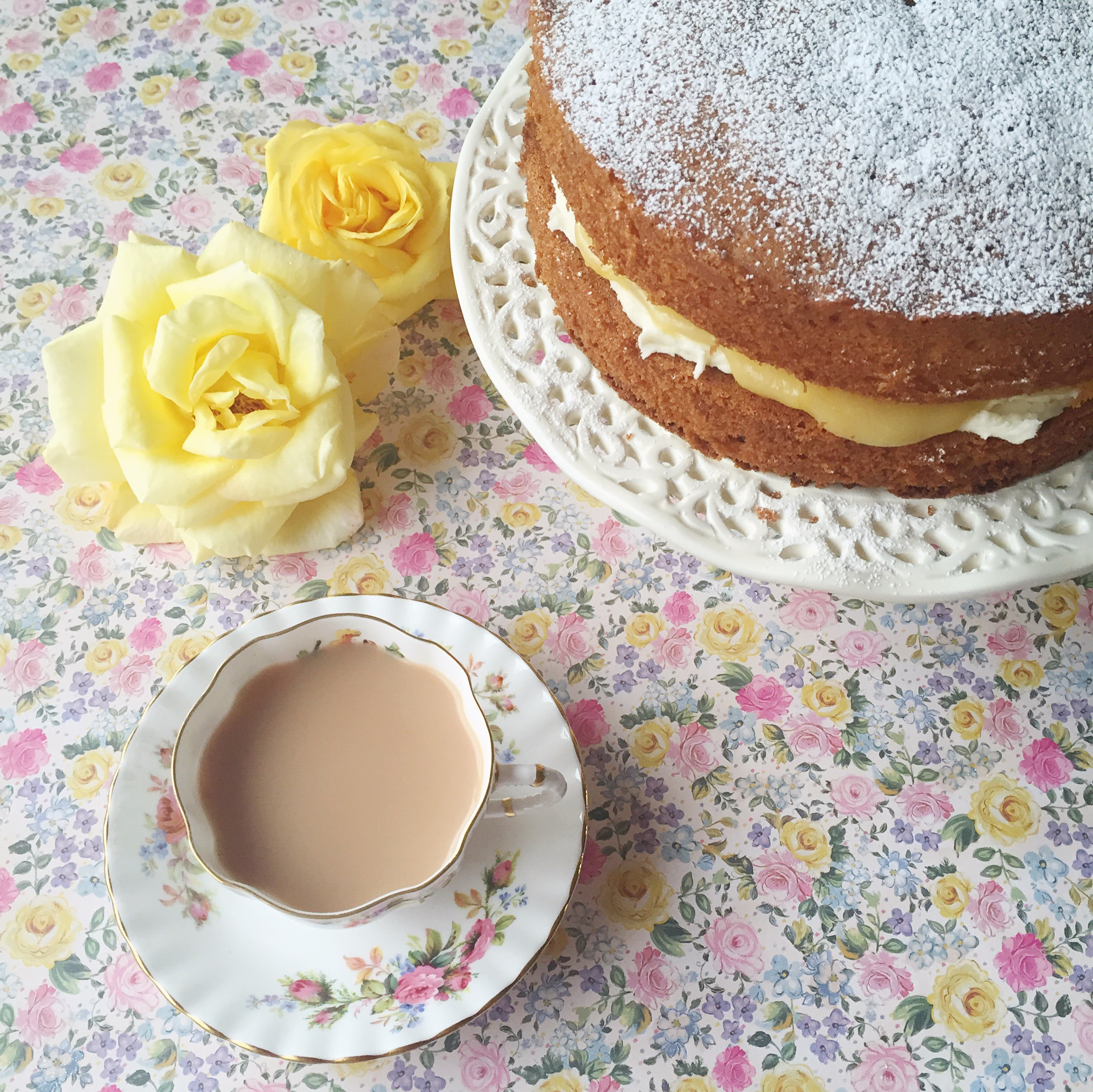 Lemon Victoria Sponge Mary Berry.JPG