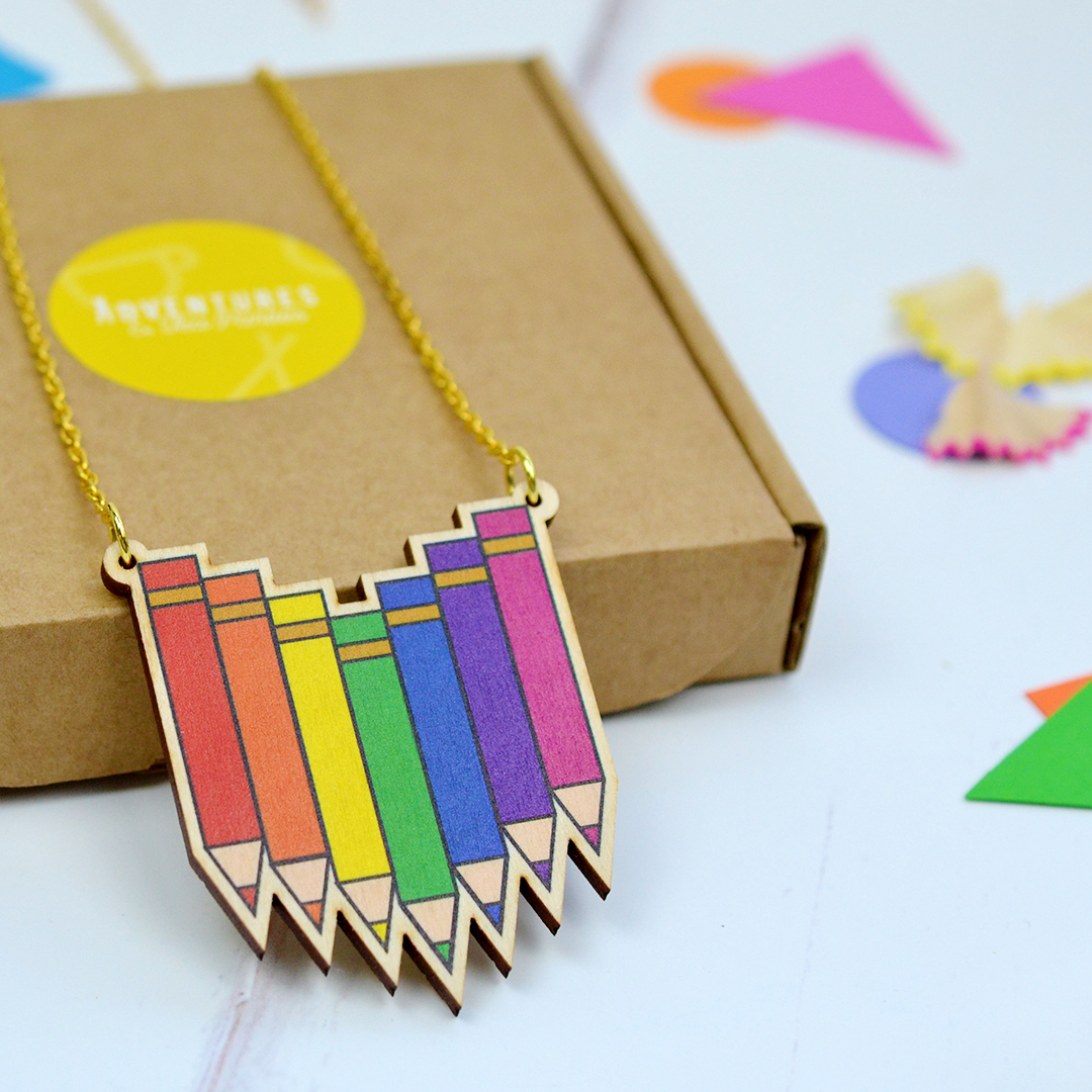crayon-necklace-wooden-small-007.jpg