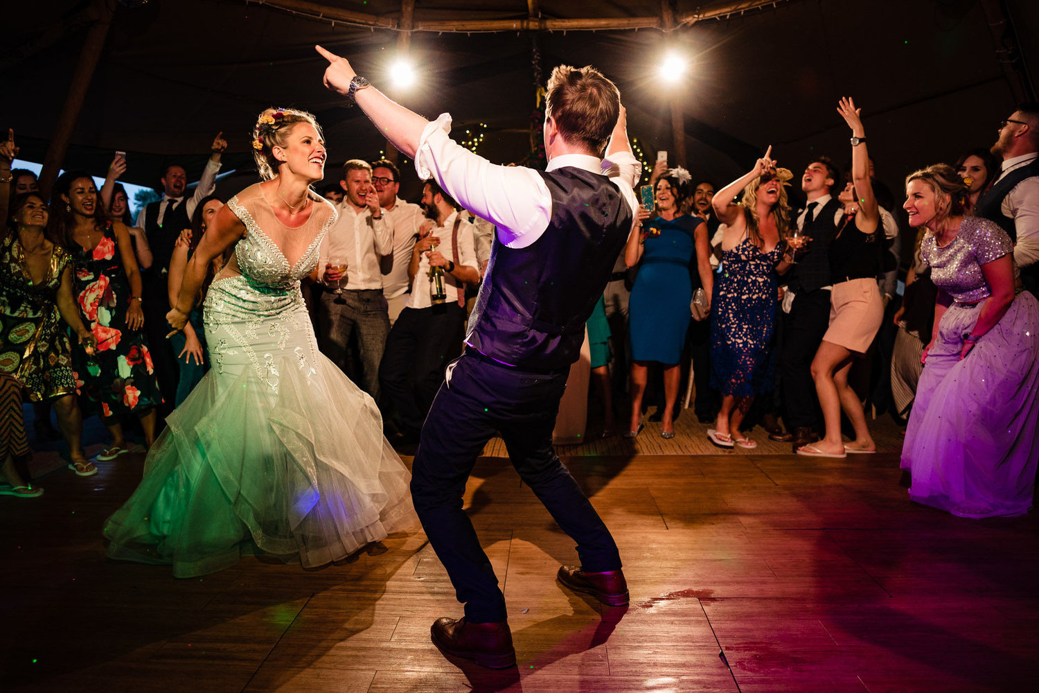 yorkshire_tipi_wedding_photographer_first_dance_.jpg