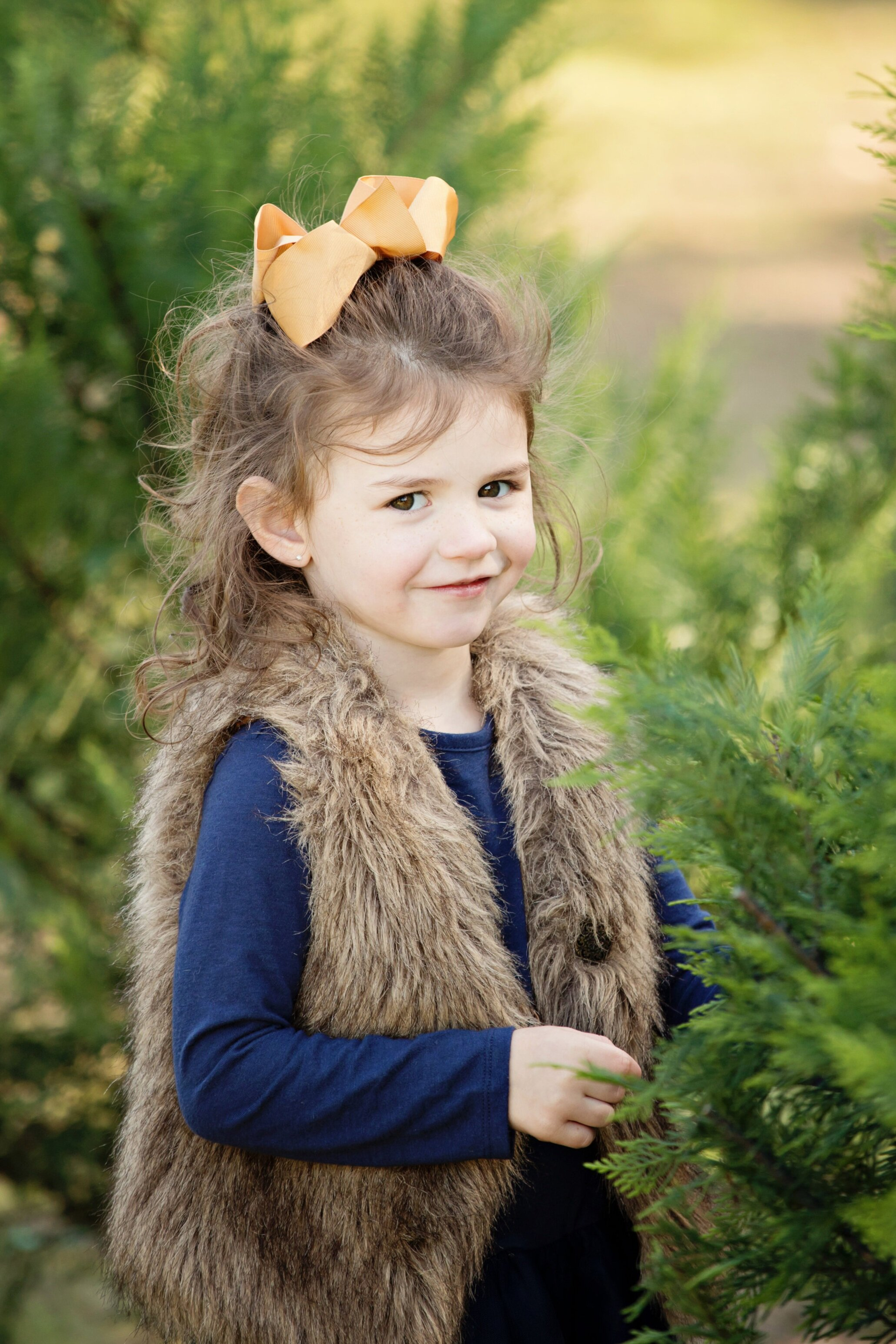 Christmas TRee FARM Mini sessions - Sessions at Thomley's Christmas Tree Farm. October 4th & 5th and October 18th & 19thMini sessions are 20 minutes long with 10 digital images. $199.00 (+tax)Sessions are on a first-come, first-pay basis and those who book first get first choice on time. Click BOOK NOW! To see what times are available!Entire session fee is due up front to secure your spot