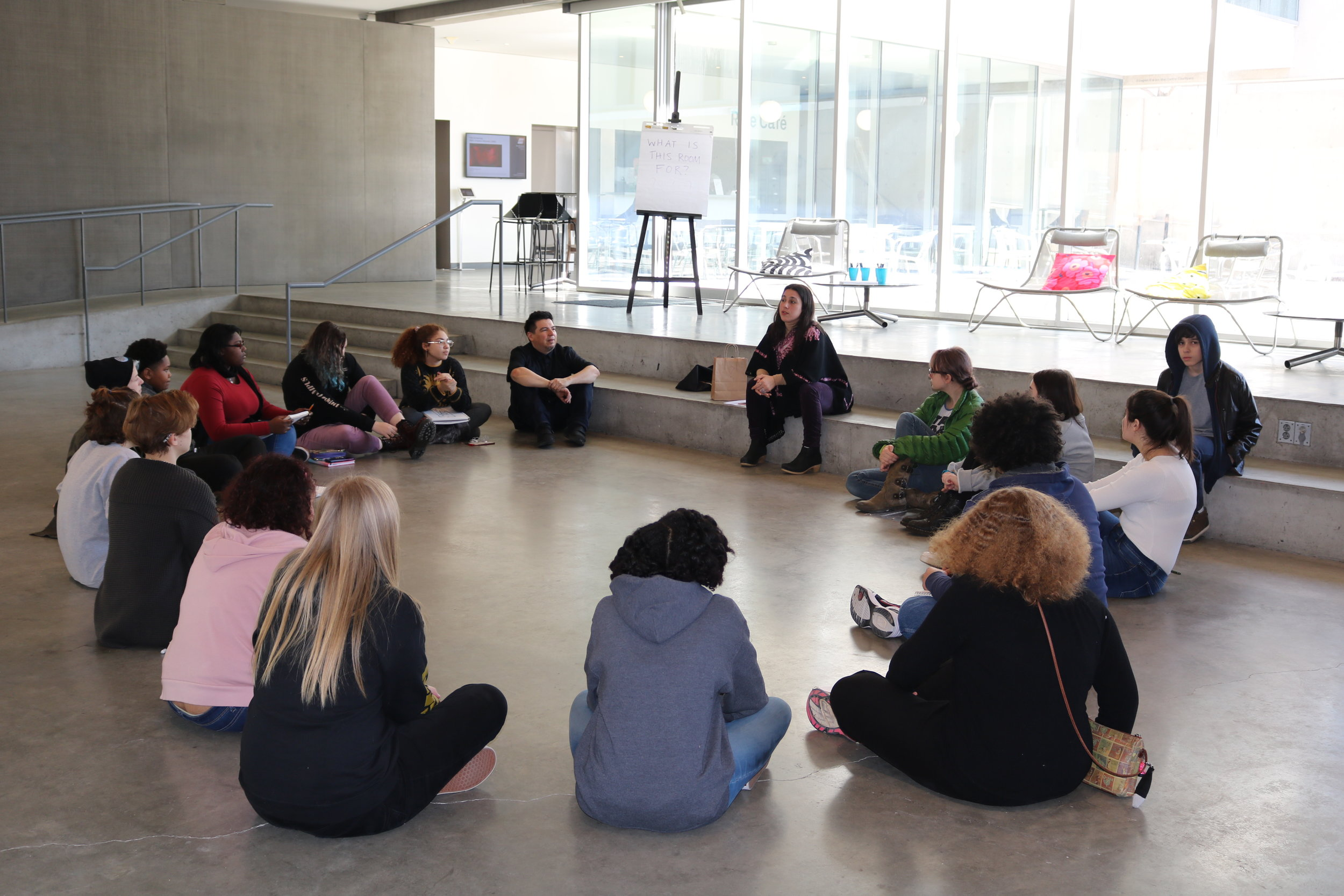 Site-specific meditation with St. Louis art students, in response to Christine Corday's Relative Points, Contemporary Art Museum St. Louis Photos by Lingran Zhang © 2019