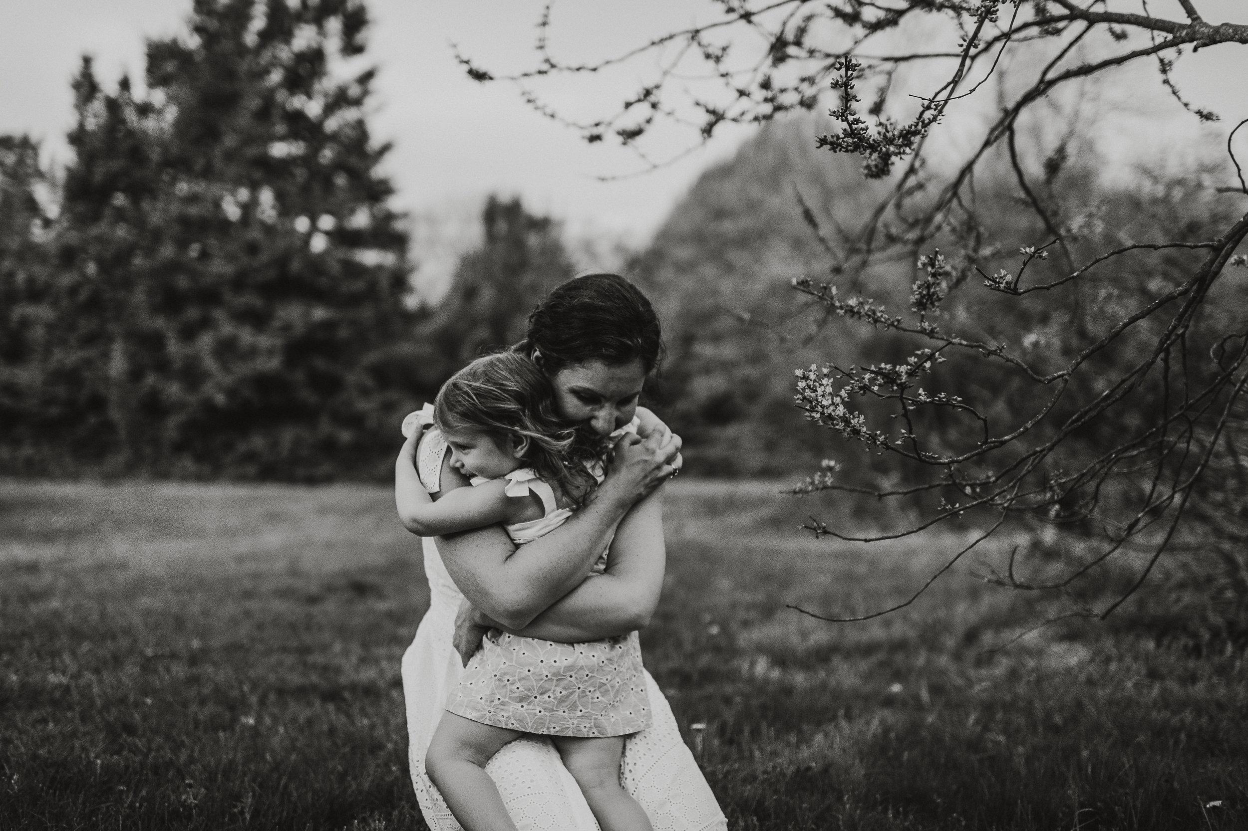Laudien_Motherhood_New _Jersey_Photographer_Rutgers_Gardens_15