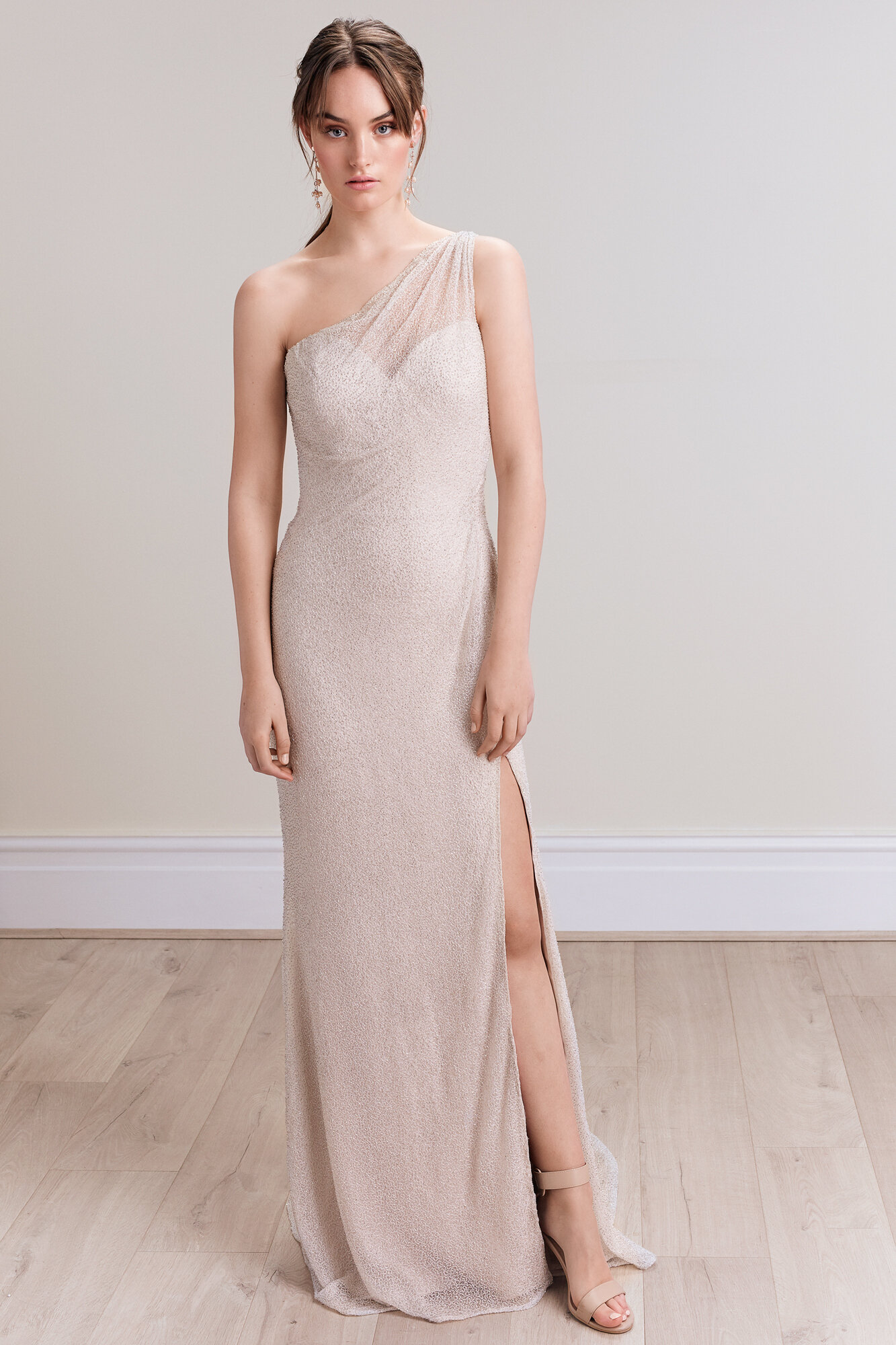 Sarina_Tavra_Bridal_Couture_2020_Collection_Madison_Gown_01