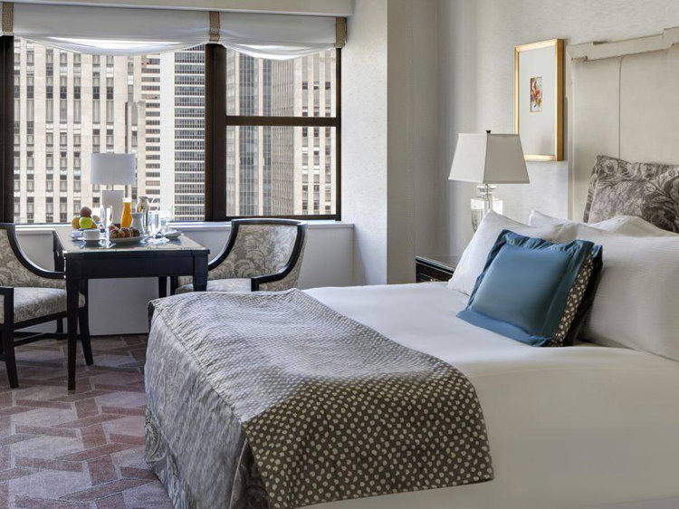 Lotte New York Palace  A superior luxury hotel in NYC that blends Manhattan's current-day modernity with classic New York elegance. Located in Midtown, there are over 900 rooms on property, in addition to event spaces, bars, and restaurants.