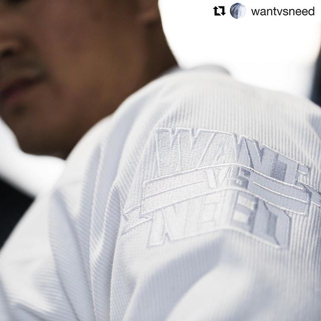 "white x white x white | @wantvsneed ・・・ As we continue to roll out our latest SERIES collection and our first 2018 SERIES drop with the ""Monochrome"". This release is compromised of two different color ways.  Each GI features a monochrome lapel patch of the PURSUIT Box Logo, heavyweight pearl weave jacket, heavy weight cotton pants, and fully tonal execution.  PLATINUM WHITE // SERIES 9 // Releasing this Wed at 10am pst via wantvsneed.com // #BYANYMEANS #WANTVSNEED // - #illest #illestjiujitsu #wantvsneed #wvsncrew #unityjiujitsu #nomadicid #modernguard #sharetheknowledge #movementculture #jiujitsudreams #jiujitsuparatodos #artesuave #womensbjj #girlsingis #jiujitsulife #competitor #daretodream #dreamchasers #nyc_explorers  #allwhiteaffair"
