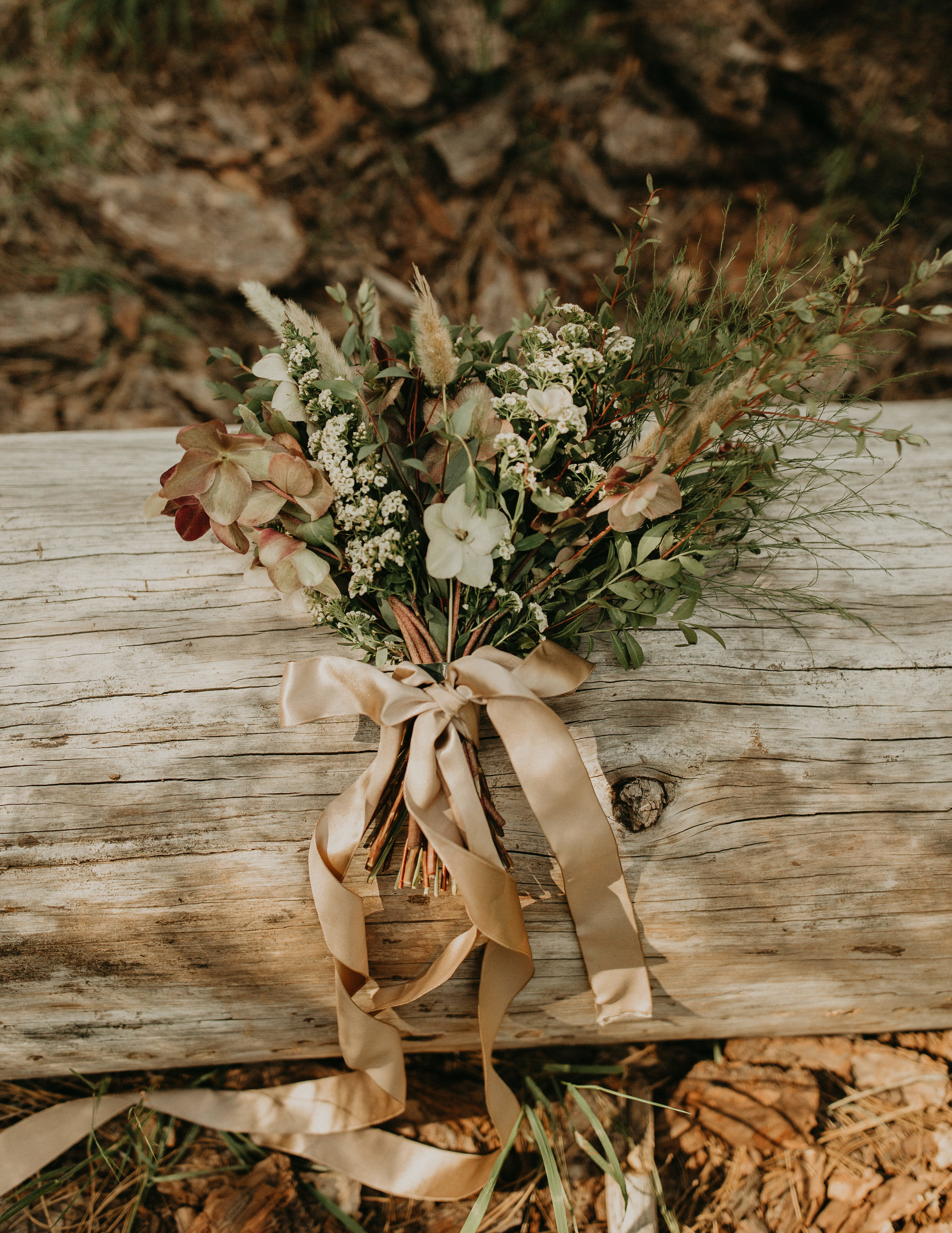 Tip: Consider coordinating your bouquet to your location + environment.  Florals: Mae&Co