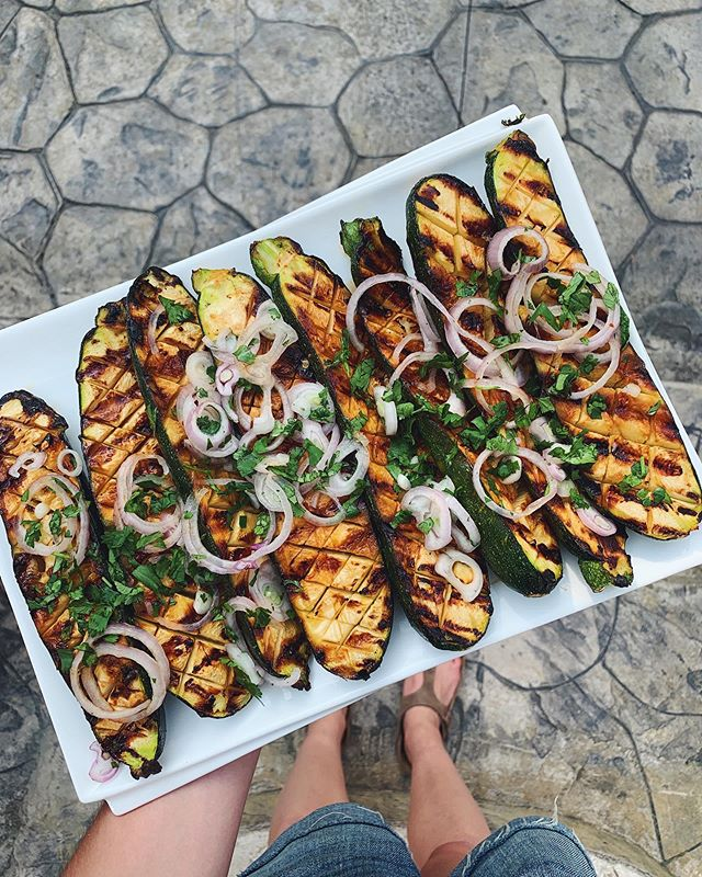 When I close my eyes at night, images from @healthy_ish and @bonappetitmag dance in my head. That's when you know the addiction's real, my friends🔥❤️🔥 . recipe is sweet and spicy grilled summer squash (I subbed zucchini) à la @andybaraghani. 'Twas a huge hit amongst the whole fam. 👏👏👏