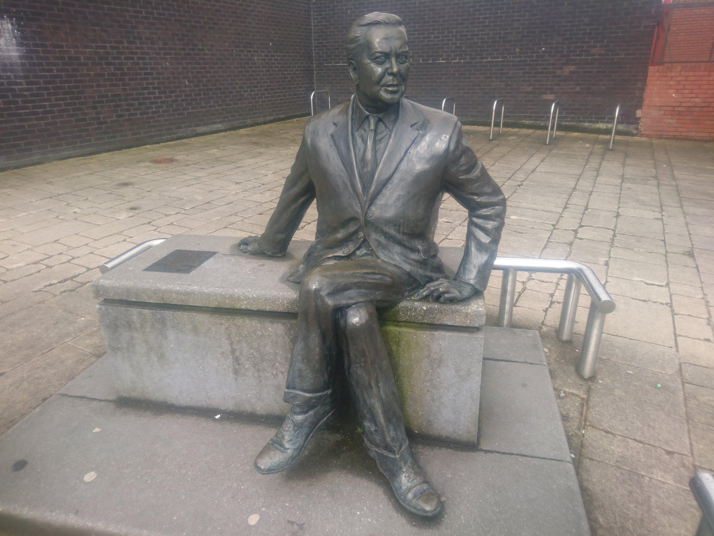 Harold Wilson Statue, Huyton