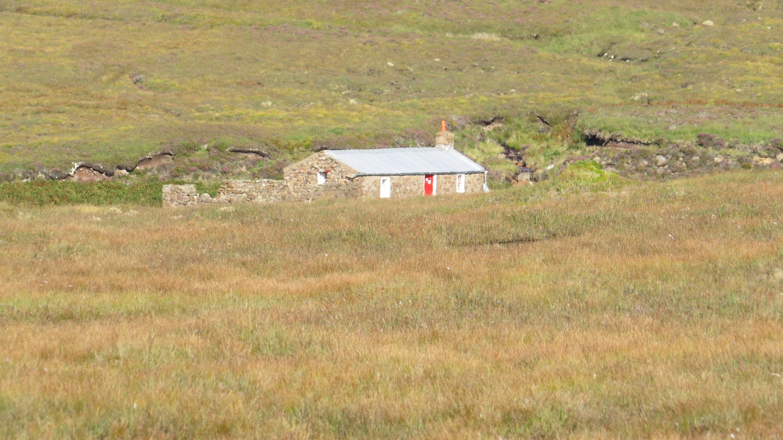 Approaching Strathchailleach Bothy