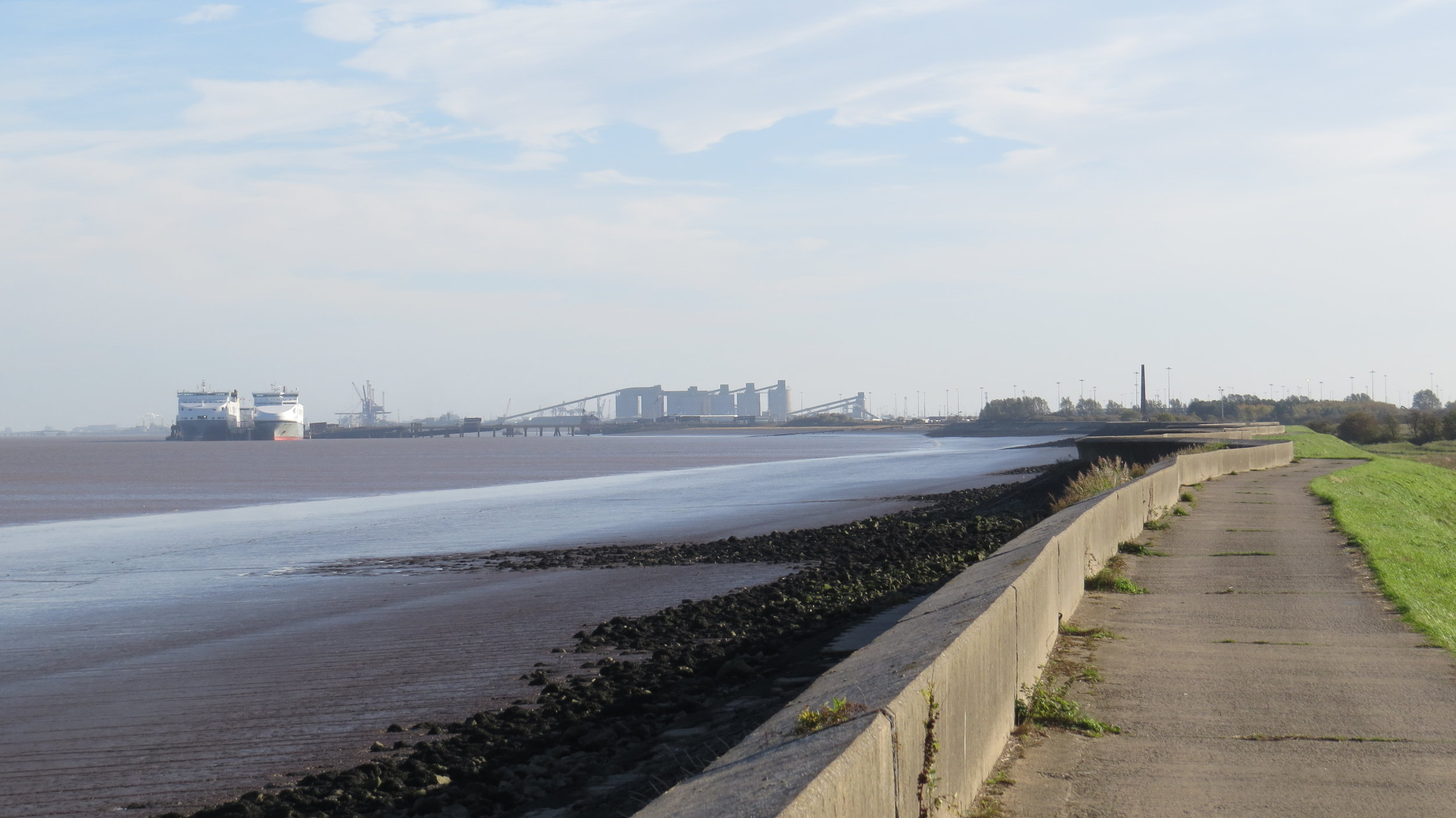 Walking towards Humber Sea Terminal
