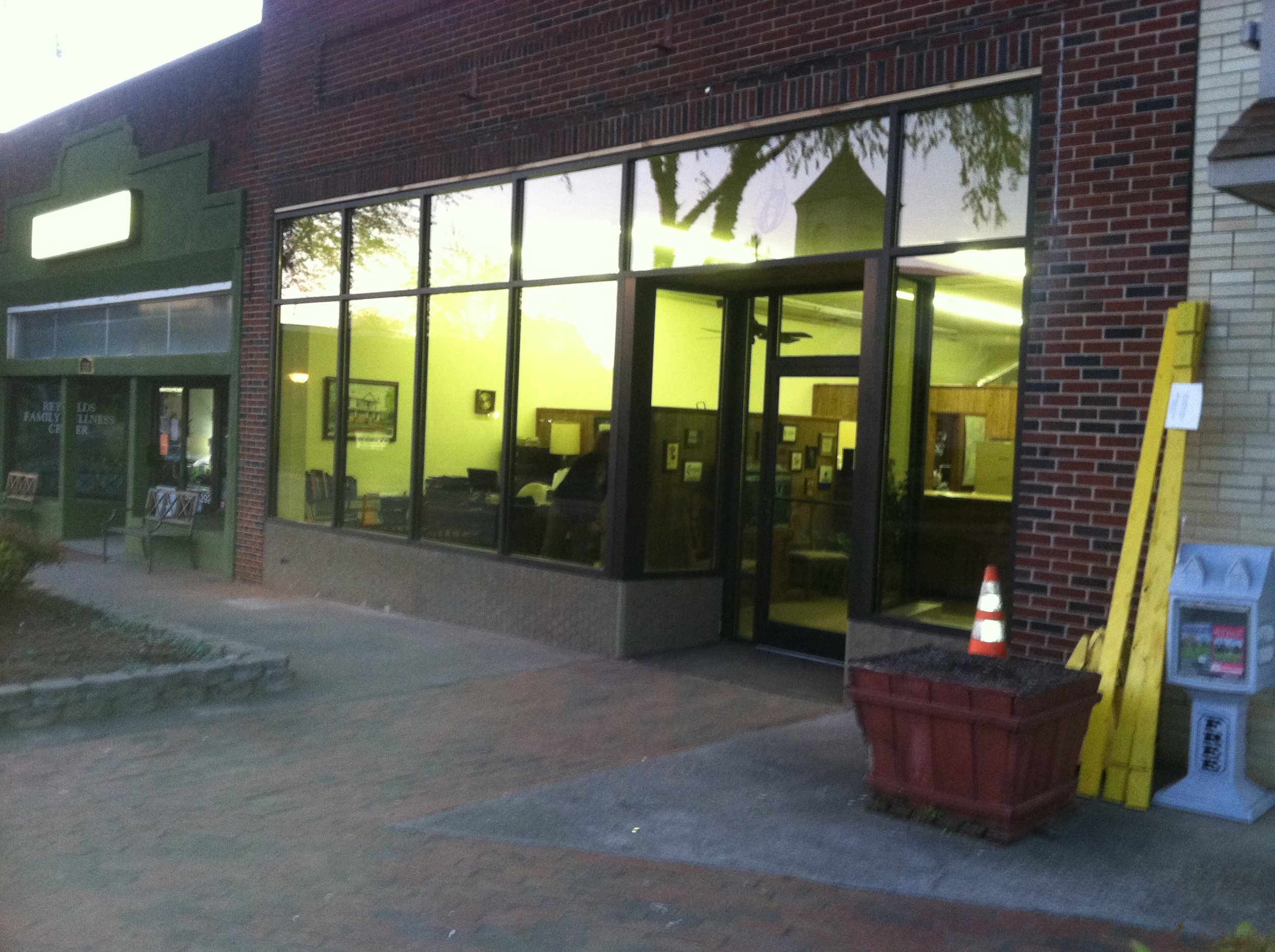 Brinkley Insurance Agency storefront after Diversified Glass window replacement.