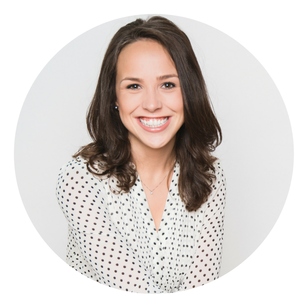 Hi,I'm Alisha! - FounderCreativE entrepreneur, photographer, and your new online advantage!
