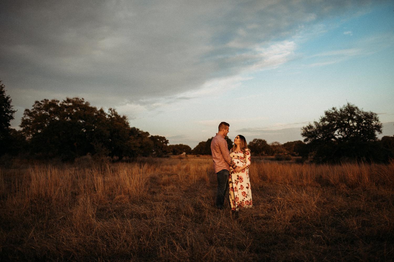 841_san antonio lifestyle maternity photographer.jpg