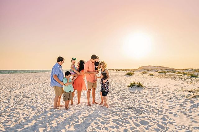 When families get together ☀️Love this time of year! 💕 . . . . . . .  #navarrebeach #navarre #navarrefamilyphotographer #pensacolabeach #pensacolaphotographer #pensacolafamilyphotographer #destinflorida #destinfamilyphotographer #dearphotographer #chasingsunsets #thelifestylecollective #dearestviewfinder #dearphotographer #letthembelittle #our_everyday_moments #candidchildhood #letthekids #lookslikefilm #our_magical_moments #lovelywanderings #beyondthewanderlust #growingfromadventure #lifewellcaptured #runwildmychild #magicofchildhood #beunraveled #thesearethedays  #childhoodunplugged #myfeatureshoot #childhoodwonders