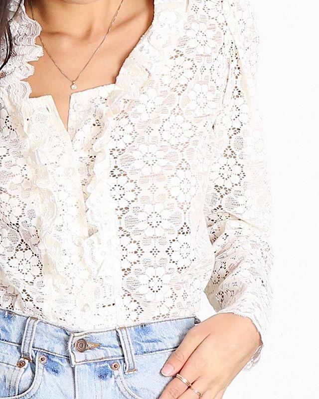 Lace details ✨