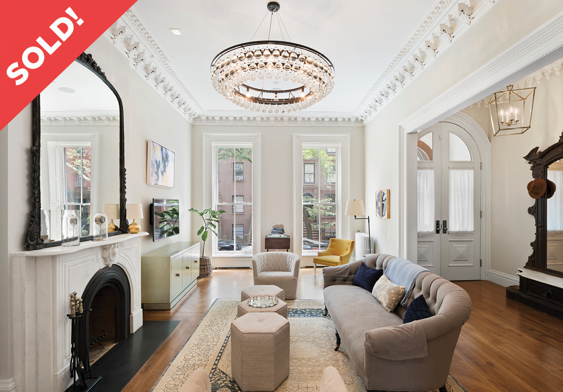 442 Henry Street - $6,495,000 // 5 Beds // 3.5 Baths // 4,100 SQFT Life en grandeur, welcome to 442 Henry Street, a thoughtful and masterfully renovated single family Brownstone townhouse located in the Cobble Hill Historic District.