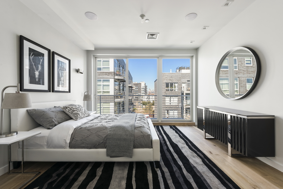 135 Bayard Street: 2B - $845,000 // 1 Bed // 1 Bath // 656 SQFTA brand new condo situated a block away from McCarren Park, this contemporary 1-bedroom, 1-bathroom home blends modern fixtures and finishes with private outdoor space.