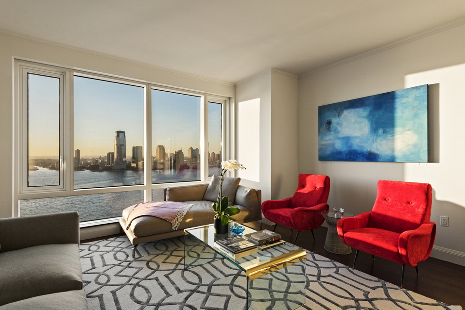 70 Little West Street: 27C - $2,750,000 // 2.5 Beds // 2 Baths // 1,409 SQFTThis impeccable 2-bedroom, 2-bathroom apartment blends a collection of luxurious finishes with a breathtaking view of the Upper Bay, the Statue of Liberty, and the Hudson River.