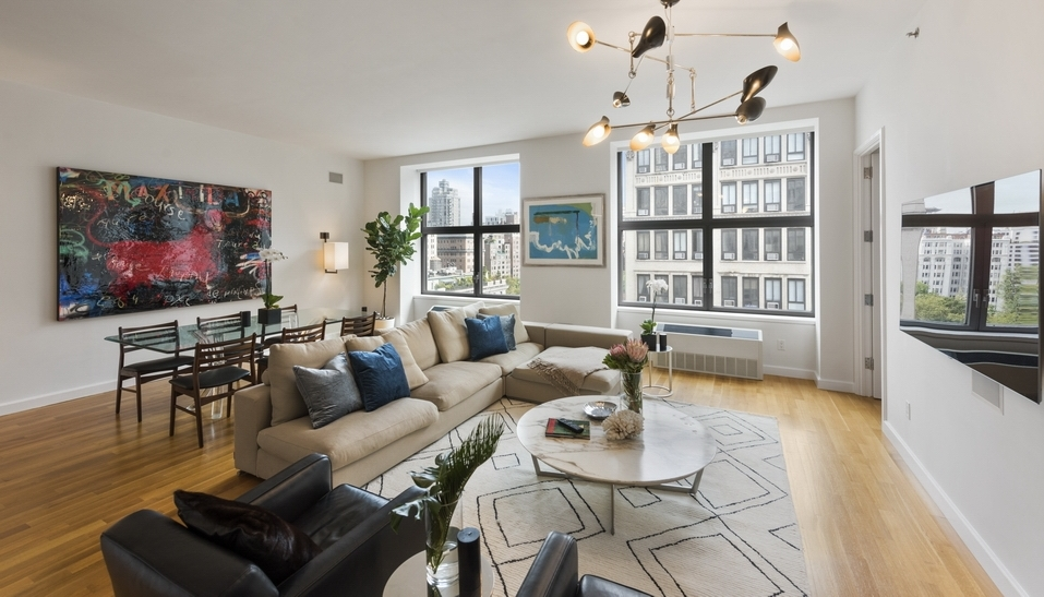 240 Park Avenue South: 11B - $4,995,000 // 3 Beds // 3.5 Baths // 2,139 SQFTA spacious condo imbued with natural light and Park views, this stunning 3-bedroom, 3.5-bathroom home blends a thoughtful layout with an impressive high-end fixtures and finishes.
