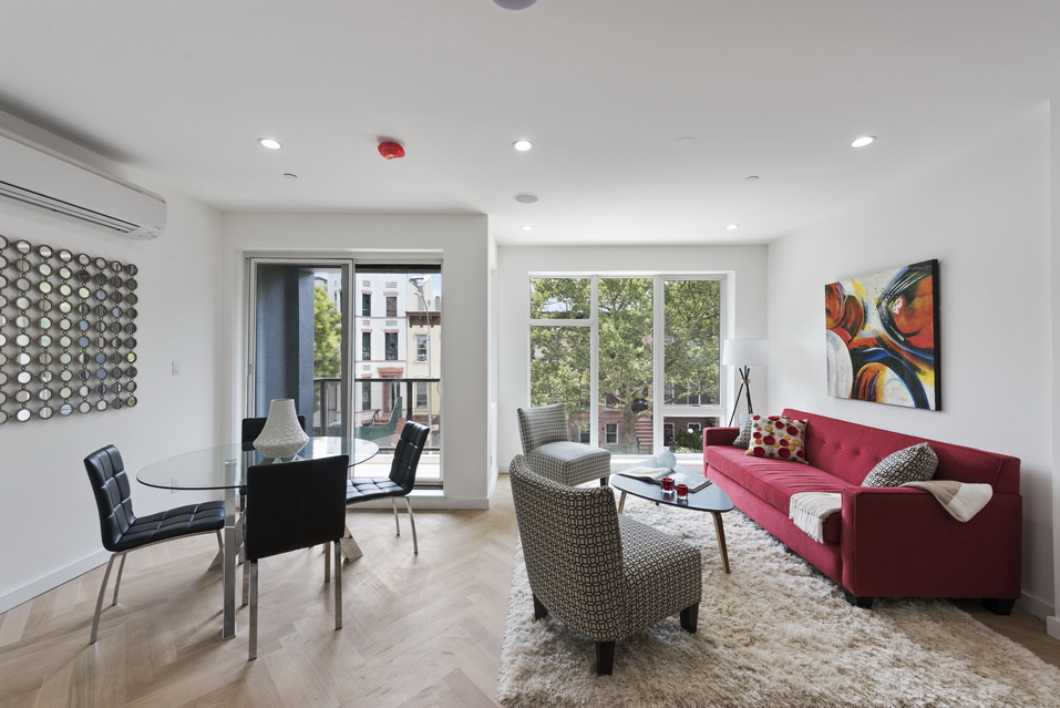 377 Quincy Street: Apt 1 - $1,225,000 // 2 Beds // 2.5 Baths // 1,546 SQFTA brand new duplex located in the heart of Bedford-Stuyvesant, this gorgeous 2-bedroom, 2.5-bathroom condo is an exemplar of contemporary urbanity.