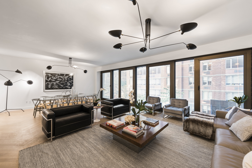117 west 21st Street: 6th Floor - $4,850,000 // 3 Beds // 3.5 Baths // 2,753 SQFTThe extraordinary embodiment of sleek, innovative contemporary design, The Twenty 1 condominium is a brand new boutique residence setting a premium standard of luxury at the crossroads of prime Chelsea/West Flatiron.