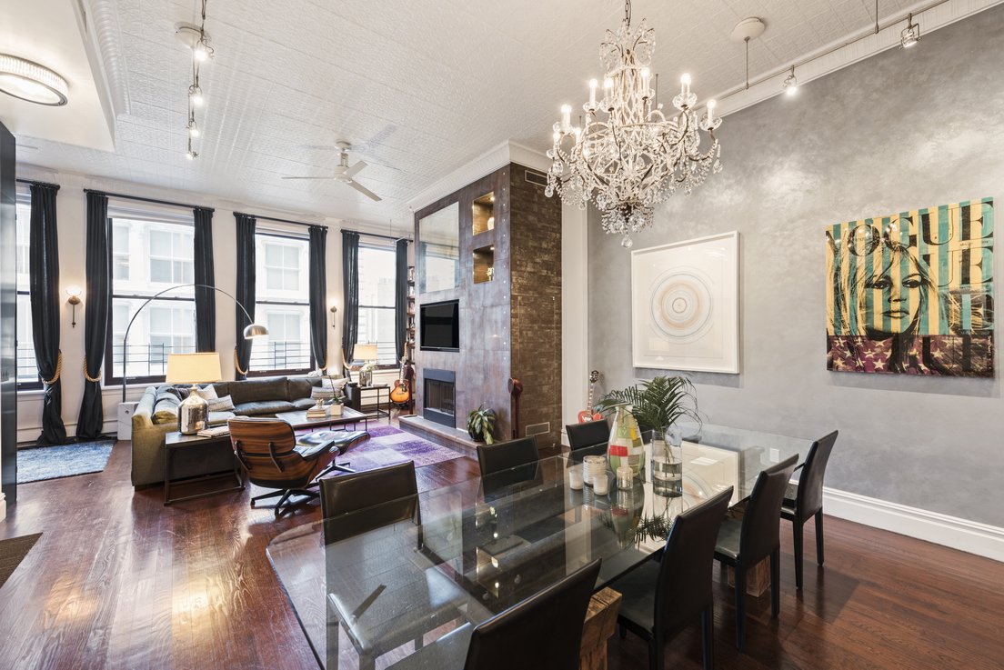 46 Mercer Street: 4W - $4,250,000 // 2 Beds // 3 Baths // 2,026 SQFTA vibrant condo loft saturated with natural light, this 2-bedroom, 3-bathroom floor-through home is a study in contemporary SoHo luxury.