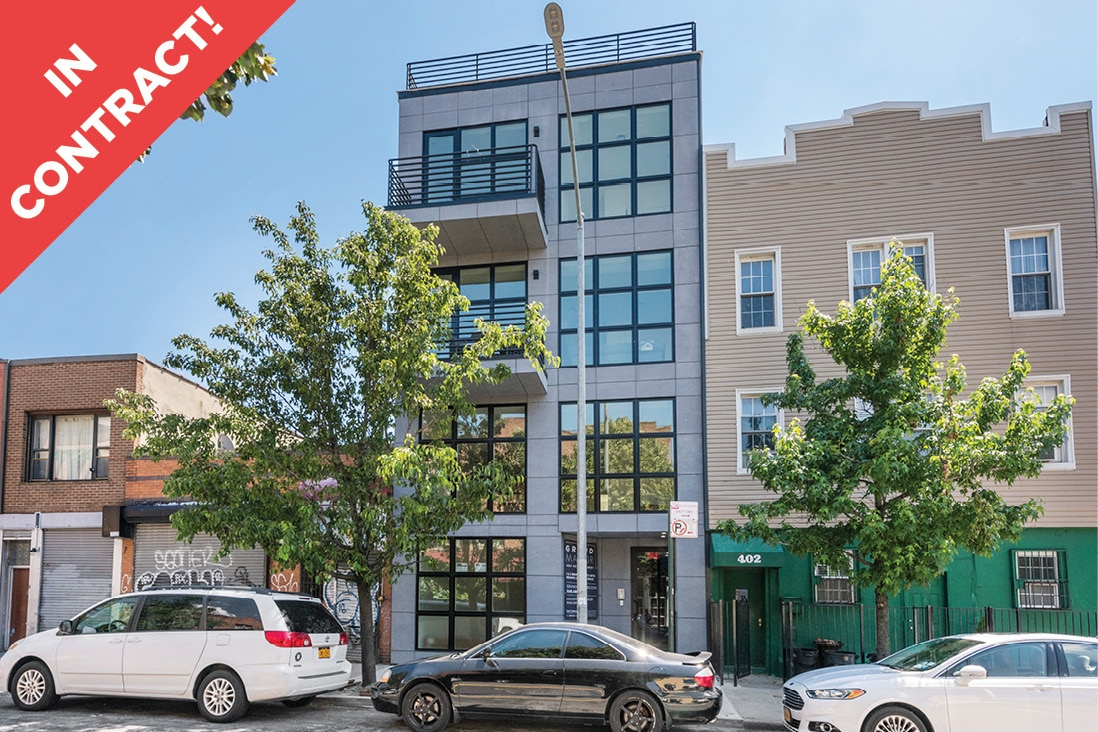 404 Grand Street: Apt 2 - $1,195,000 // 2 Beds // 2 Baths // 1,008 SQFTA luminous condo situated in the heart of Williamsburg, this 2-bedroom, 2-bathroom home blends a modern open plan layout with a collection of tasteful finishes.